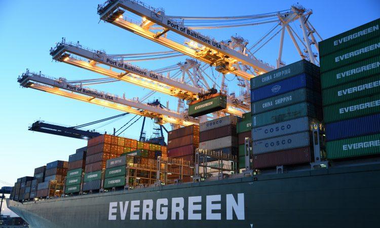 Porto de Paranaguá reduz tempo de espera de navios